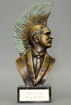 Statuetki Adama i nagrody