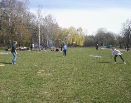 Wielkanocny piknik w Parku Kultury Powsin