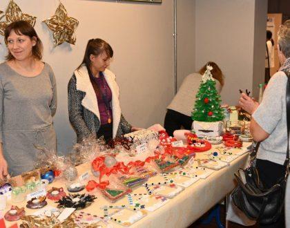 Bożonarodzeniowy kiermasz charytatywny